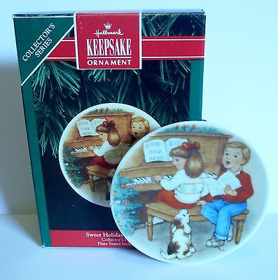 "1992 Hallmark Keepsake Ornament ""Sweet Holiday Harmony"" #6 in Plate Series MIB"