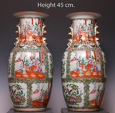 Great pair of Canton rose medaillon vases, figures. 19th century. 45 cm.