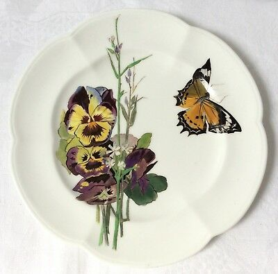 Attractive vintage plate w hand-painted pansies & butterfly