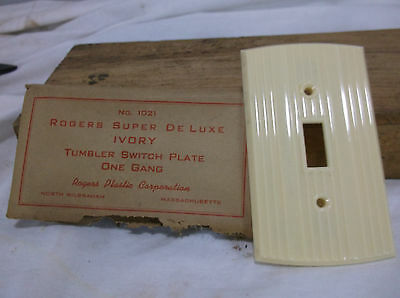 Curved IVORY Bakelite single switch Vintage Switchplate Art Deco gang