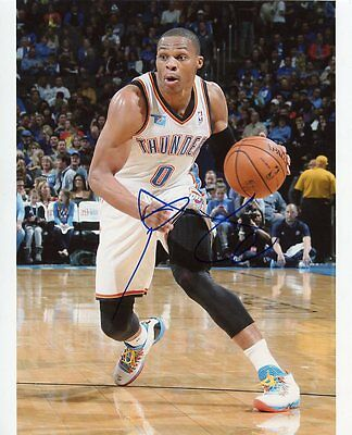 AUTOGRAPHE SUR PHOTO 20 x 25 de Russell WESTBROOK (signed in person)