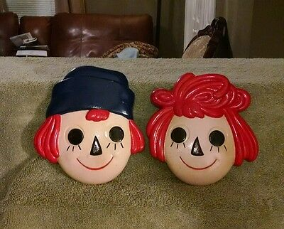 Raggedy Ann and Andy chalkware plaques