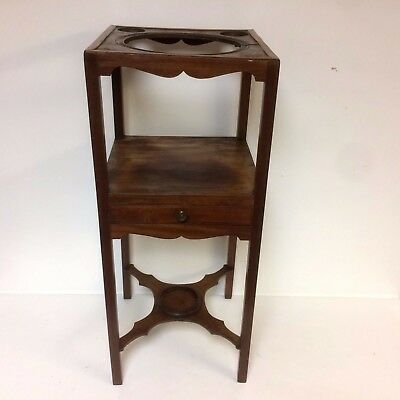 Fine Late 18th Century English Chippendale Basin Stand W/ One Drawer