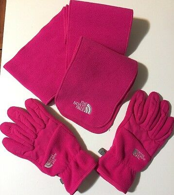 North Face Gloves With Matching Scarf/. Ladies Large Fuchsia Pink Fleece