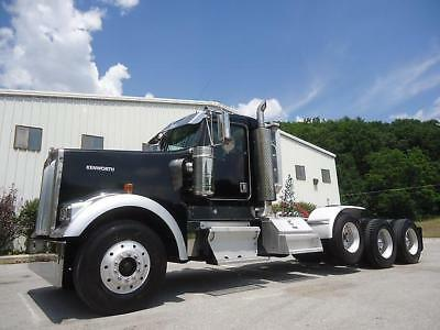 1999 Kenworth W900L Tri-Axle Day With Cab Wet Line Lowboy Tractor Truck