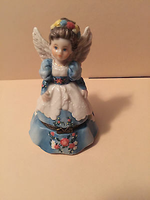 """Madame Alexander Dolls - """"Wings of an Angel"""" Porcelain Hinged Box"""