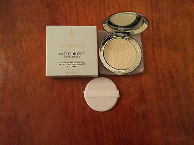 Guerlain Meteorites Compact UV Shield Pressed Powder SPF 35 - 00 Blanc De Perl