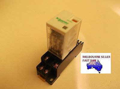 Schneider  24Vdc Control Relay Dpdt With 8 Pin Base
