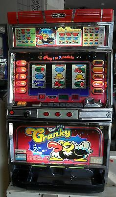 Pachislo Cranky Contest Slot Machine / 200 Tokens / 285 Page Manual