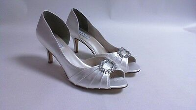 Touch Ups Wedding Shoes - White - Ivanna - US 6W UK 4 Wide #29R493
