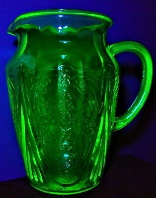 "Royal Lace Depression Glass 8"" Tall 64oz. Pitcher Green Vntg Original No Ice Lip"