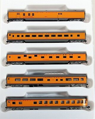 Con-Cor N 0001-040375 85' Smooth Side Passenger Car Set, Union Pacific