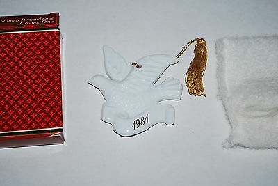 Avon 1981 Christmas Remembrance Ceramic Dove - MIB