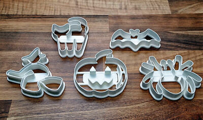 Halloween Cookie Cutters x 4 Bat, Cat, Ghost, Pumpkin Cookie Cutters