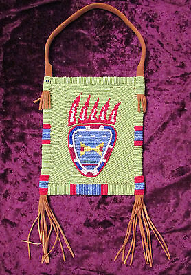 PLATEAU BEADED BAG with stunning bear paw design!