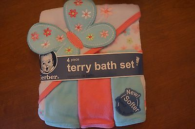 NEW Gerber 4 Piece Terry Bath Set Butterfly/Flowers Hooded Towel & Washcloths