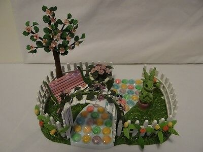 Dept 56 Happy Easter House Lily's Nursery One Hop Walk Decorating Set Pink Fence