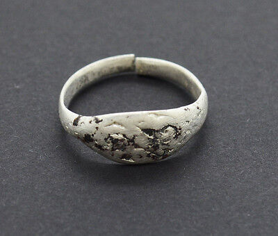 Post medieval Viking Jewelry Silver Ring with gemstone 2 gr.