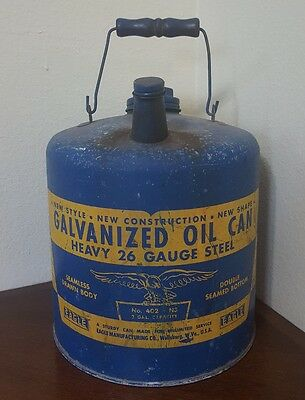 VINTAGE EAGLE GALVANIZED OIL CAN No. 402 NS 2 GAL 26 GUAGE STEEL WOODEN HANDLE