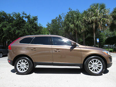 2010 Volvo XC60 T6 AWD 2010 XC60 T6 AWD - Navi, Tech Package ++ Clean Carfax with 36 service records