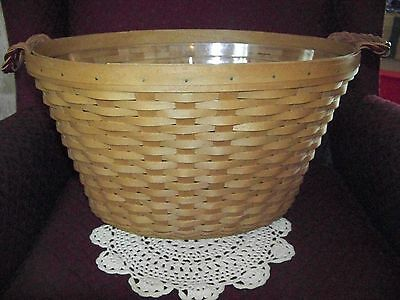 2009 Longaberger Beverage Tub Basket with braided handles and Protector