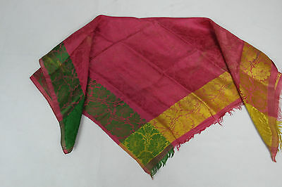 Antique silk scarf. Antiguo pañuelo de seda