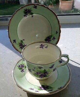 A.J Wilkinson Trio Green & White With A Violet Design