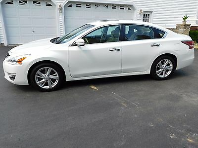 2014 Nissan Altima LS 2014 Nissan Altima SL IMMACULATE 1 Owner Car w/ 100K Extended Transfer Warranty!