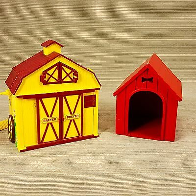 Breyer Folding Carry Along Yellow Barn w Slide Doors Clip Strap & Red Dog House