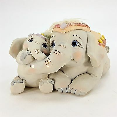 Dreamsicles Trunkful of Love Elephant Mommy Hugs Baby Cast Art Figurine #10029