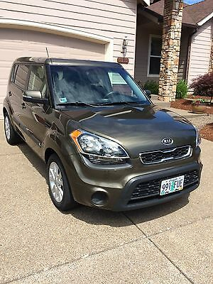 2012 Kia Soul  2012 Kia Soul+, low mileage with towing package