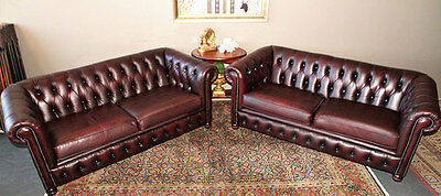 Absolutely Beautiful Pair Of 2.5 Seat Chesterfield Sofa Couch Lounge Suite