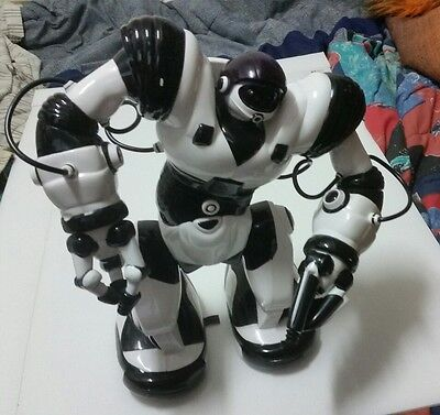 WowWee Robosapien X 14 Inch Large Robot  - works! No controller
