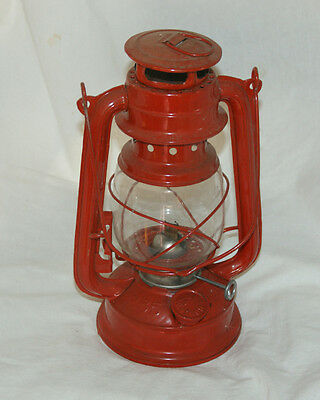 Vintage LUO HUA (235) Paraffin Hurricane/Storm Lamp (Red)