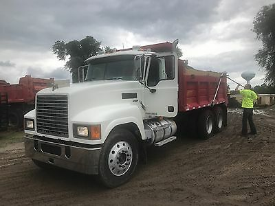 2008 Mack Pinnacle CHU613 Tandem Dumptruck