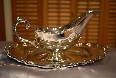 Stunning Vintage Gravy or Sauce Boat with Attached Underliner
