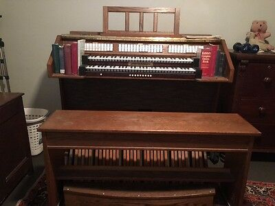 Johannus electric organ