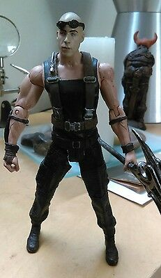 chronicles of riddick action figure with weapon