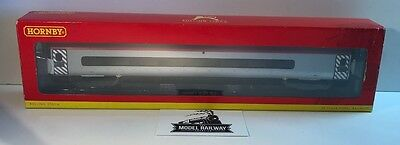 Hornby 00 Gauge - R4274A - Virgin Trains Pendolino Standard Open - Preowned