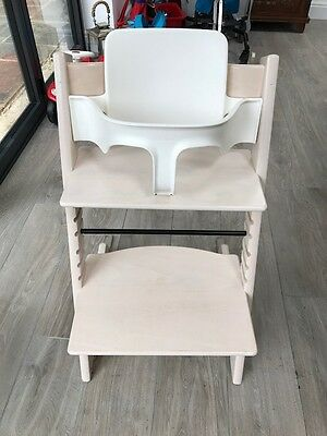stokke tripp trapp high chair in walnut in good used condition picclick uk. Black Bedroom Furniture Sets. Home Design Ideas