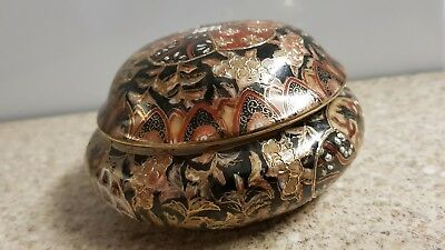 Japanese porcelain box and cover unusual seal mark