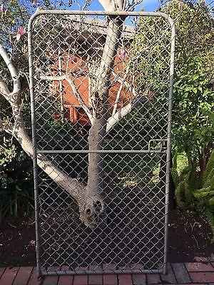 Large Galvanised Metal Wire Mesh House Garden Gate