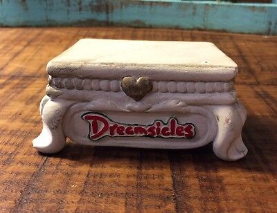Dreamsicles Christmas Pedestal # 10616 Free Shipping