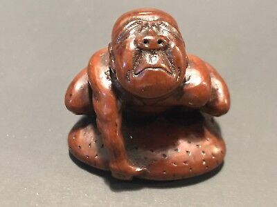Antique Boxwood Blind Stone Lifter Netsuke