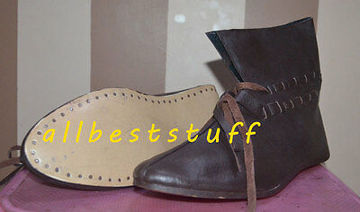 Medieval Style Leather Shoe Brown Ankle Length Shoes Curved Sole