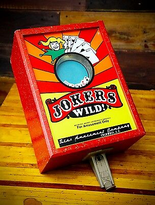 Vintage JOKERS WILD TRADE SIMULATOR Coin Operated 5 Cent Table Top Dice Game Key