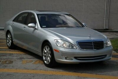2007 Mercedes-Benz S-Class S550 2007 Mercedes-Benz S-Class, Iridium Silver Metallic with 52223 Miles available n