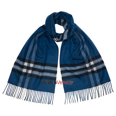 Burberry Classic Cashmere Scarf in Check -  Marine Blue