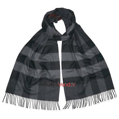 Burberry The Large Classic Cashmere Scarf in Check - Charcoal Check