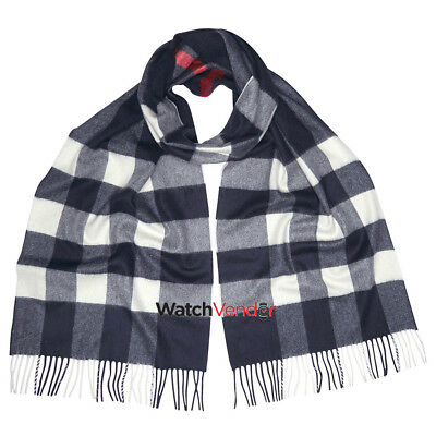 Burberry The Large Classic Cashmere Scarf in Check - Navy